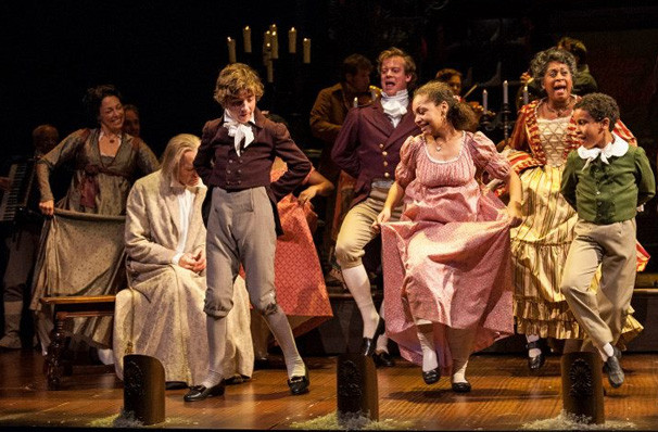 A Christmas Carol Albert Goodman Theater Chicago Il Tickets Information Reviews