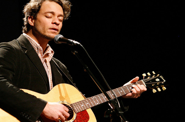 Amos Lee, Peace Concert Hall, Greenville