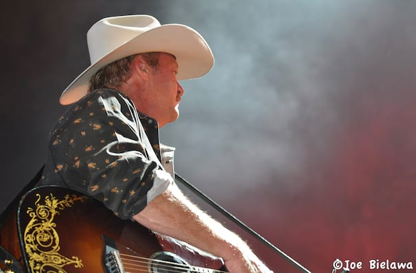 Alan Jackson, CHI Health Center Omaha, Omaha