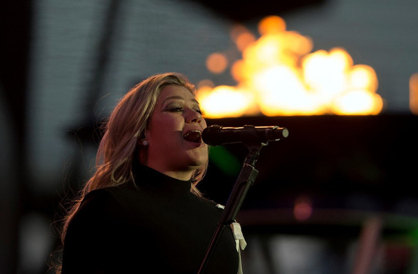 Kelly Clarkson coming to Boston!