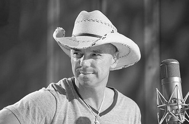 Kenny Chesney, INTRUST Bank Arena, Wichita