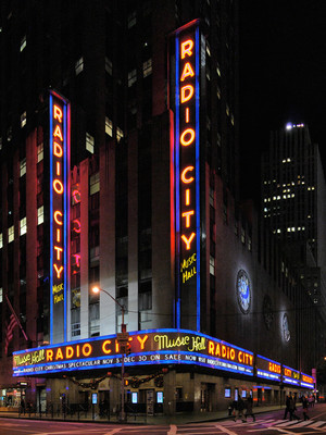 Radio City Music Hall, New York, NY - Radio City Christmas ...